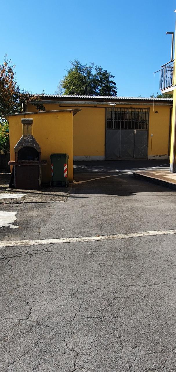 BIFAMILIARE in VENDITA a CAPANNORI
